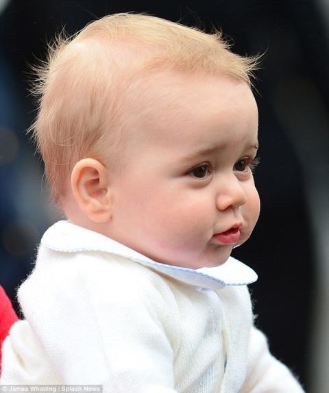 Hoàng tử bé nước Anh cũng được chỉnh sửa để long lanh 2