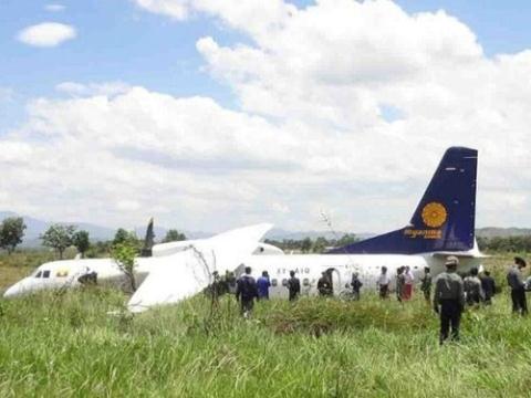 Máy bay MA60 của Myanma Airways lao thẳng ra đồng hạ cánh