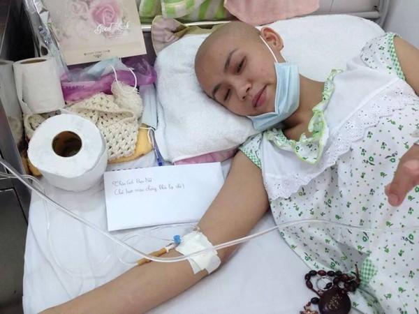 Trang tin châu Á đưa tin về cô gái Đà Nẵng xinh đẹp mắc bệnh máu trắng 2