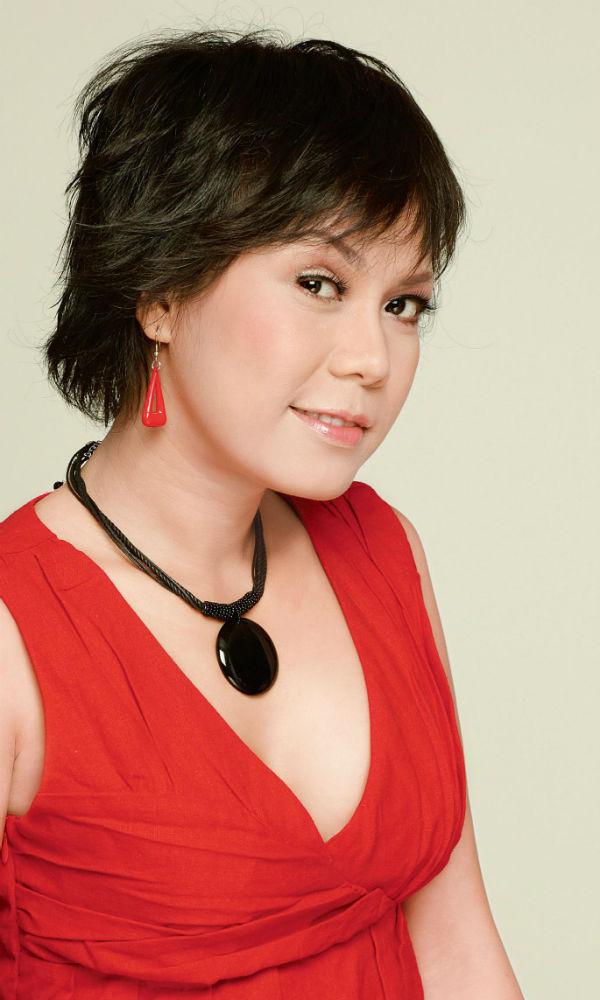 Nghệ sĩ Việt Hương
