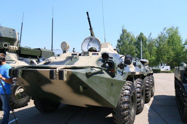 Xe bọc thép chở quân BTR-80, các xe BTR-80 của lính dù Nga trong tương lai sẽ được thay thế bằng các xe BTR-82A hiện đại và hỏa lực mạnh hơn.