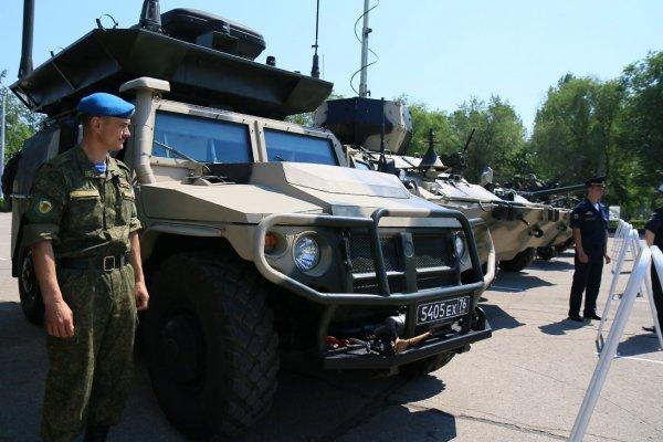 Xe gây nhiễu điện tử Leer-2 dựa trên khung gầm xe GAZ-233114 (Tiger).