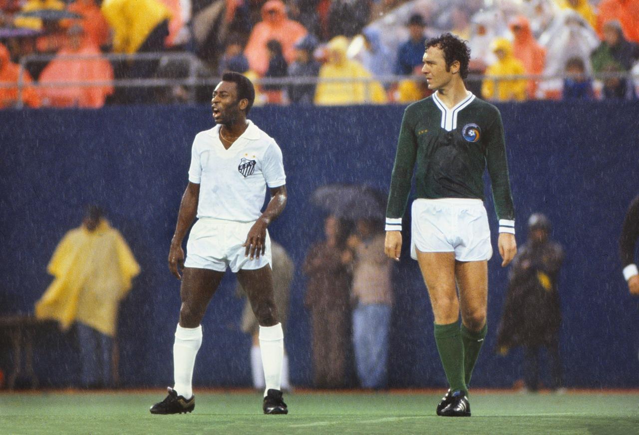 Ở nhiều khía cạnh, Beckenbauer được cho là xuất sắc hơn cả Pele