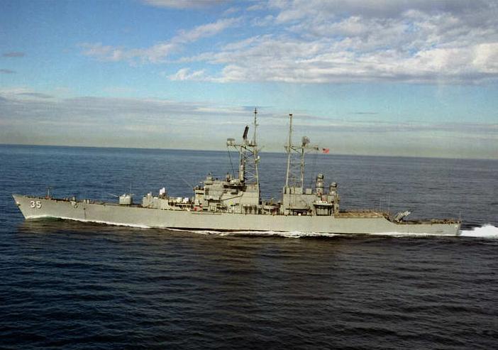 Tàu có kích thước: Dài 172m; rộng 18m; mớn nước 9,3m; lượng giãn nước đầy tải 8.659 tấn. Động lực của tàu gồm 2 lò phản ứng hạt nhân áp lực nước công suất 70.000 SHP cho phép tàu chạy với tốc độ tối đa 31 hải lý/h; tầm hoạt động không giới hạn.