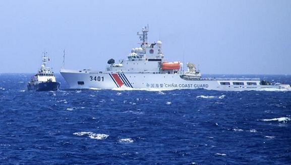 Tàu hải cảnh số hiệu 3401 đang tấn công tàu cảnh sát biển Việt Nam.