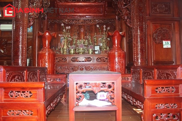 Gian nhà chính, là nơi đặt bàn thờ tổ tiên