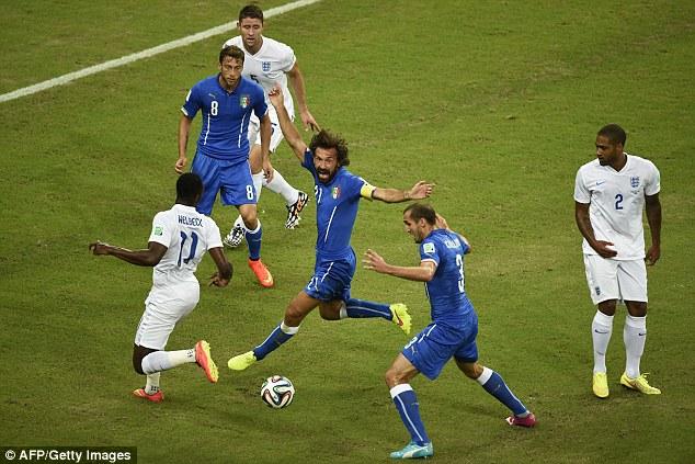 Các đôi chân tuyển Anh bất lực trước Italia