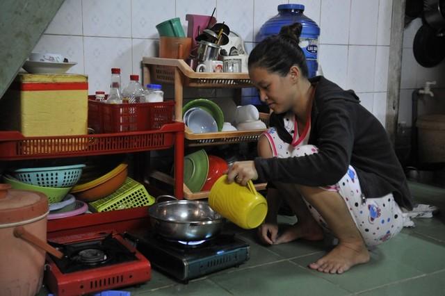 Thúy An, người được gọi là vợ nhặt như một nhân vật của nhà văn Kim Lân, nói mình không thể diễn tả nỗi hạnh phúc hiện có nhờ tình yêu của Tài và tấm lòng đùm bọc, cưu mang của gia đình nghèo này.