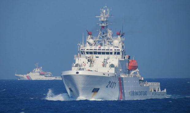 Tàu hải cảnh số hiệu 2401 và 3401 tại khu vực Trung Quốc hạ đặt trái phép giàn khoan HD-981.