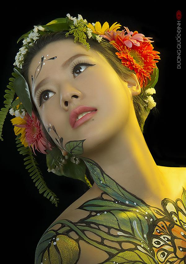 Tiết lộ về nghề đầy thị phi của người mẫu body painting 9X