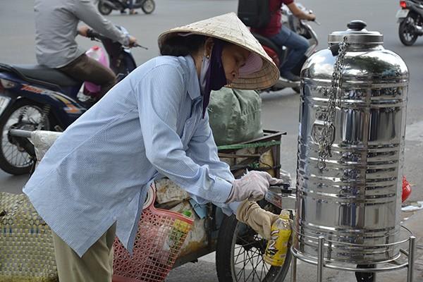 Những tấm biển thông báo ấm áp tình người giữa Sài Gòn hoa lệ 4