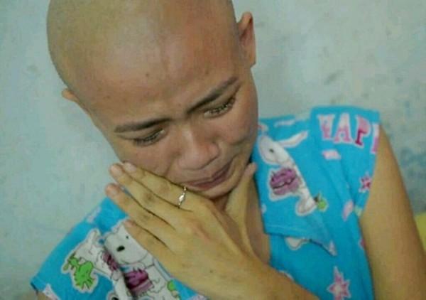 Trang tin châu Á đưa tin về cô gái Đà Nẵng xinh đẹp mắc bệnh máu trắng 4