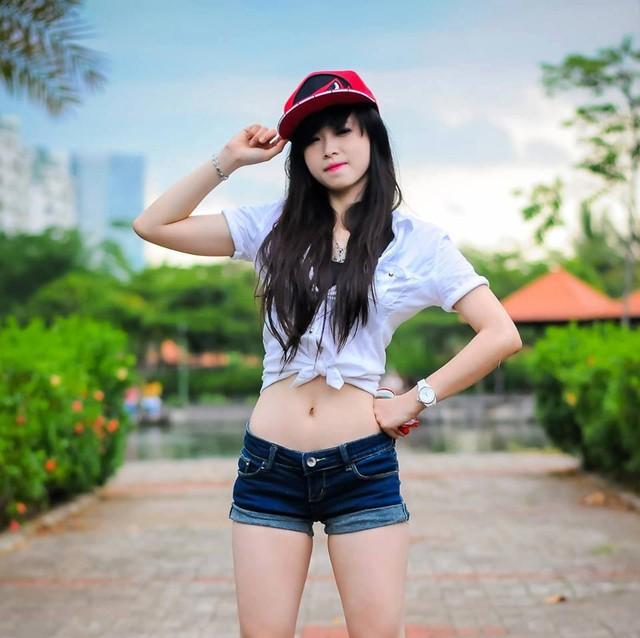 Châu Tuyết Vân là cô nàng rất năng động, có thể chơi nhiều môn thể thao