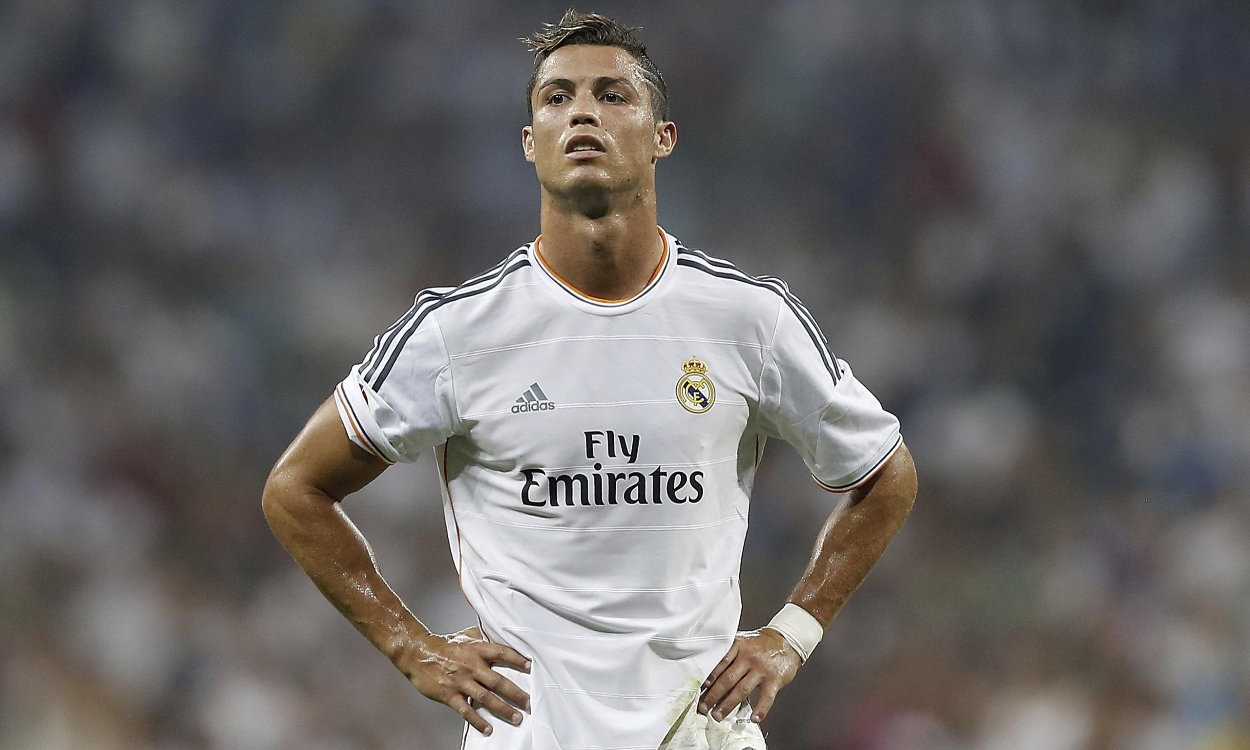 Châu Tuyết Vân hâm mộ Cris Ronaldo vì vẻ ngoài đẹp trai cũng như tính cách nhân hậu