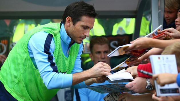Lampard có thể sẽ vẫn khoác áo Man City sau khi hợp đồng cho mượn hết hạn vào tháng 1/2015