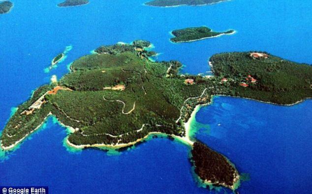 Dmitry mua hòn đảo Skorpios ở Hy Lạp giá 100 triệu bảng