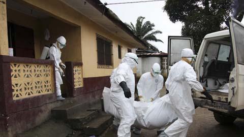Thêm những hình ảnh chấn động từ tâm đại dịch Ebola 5