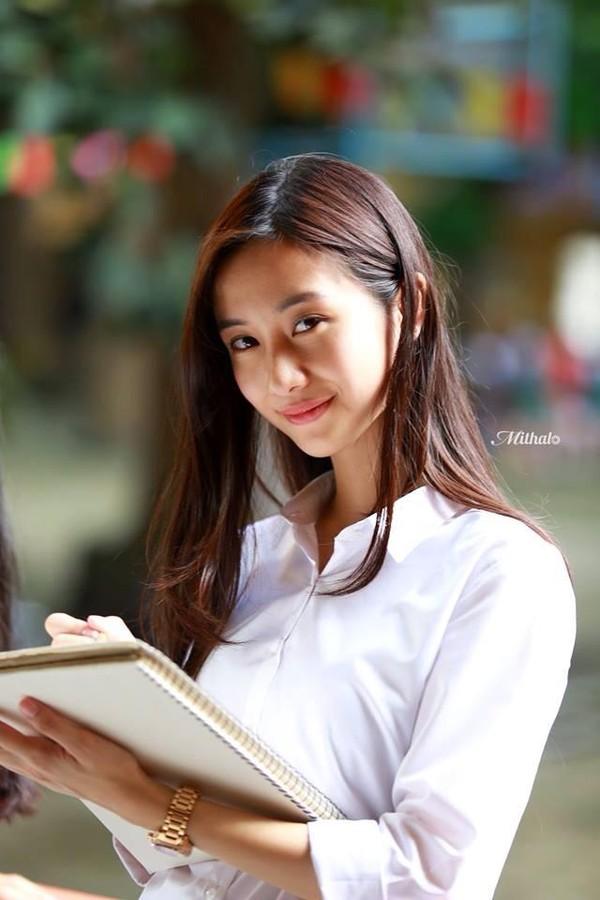 Hot girl Jun Vũ bức xúc vì bị tán tỉnh