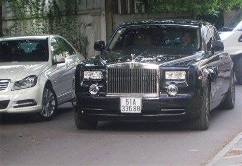 Chiếc xe bị bắt gặp nhiều lần trên đường phố Hà Nội.