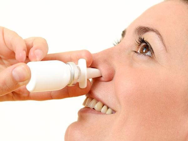 Massage mũi: Nhẹ nhàng xoa bóp sống mũi của bạn cũng là điều tuyệt vời để thoát khỏi chứng đau nửa đầu và đau đầu do căng thẳng.