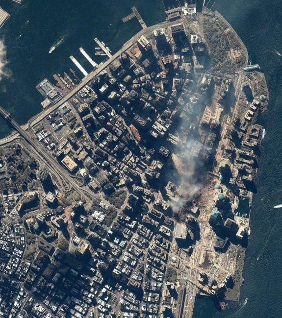 Một hình ảnh khác từ vệ tinh IKONOS chụp ngày 15/9/2001.