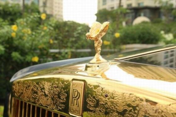 Đại gia bí ẩn sở hữu Iphone và Rolls Royce mạ vàng - Ảnh 7
