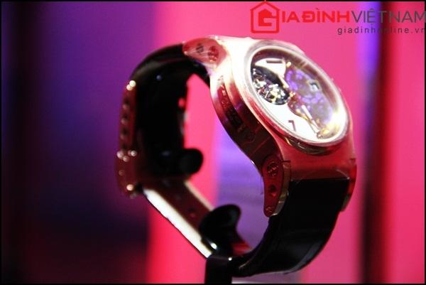 Đồng hồ này có khả năng chống nước ở độ sâu 30m