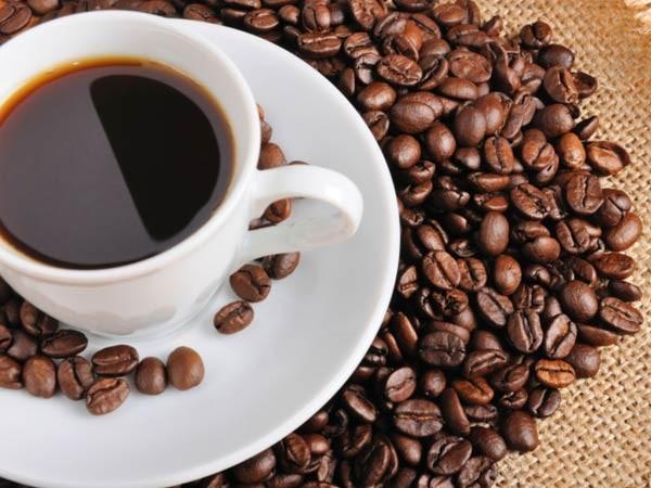 Cà phê: Sử dụng cà phê có chừng mực và điều độ sẽ giúp bạn hạn chế căn bệnh đau đầu.