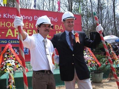 Bầu Đức và đại diện Arsenal khởi công xây dựng Học viện HAGL Arsenal JMG