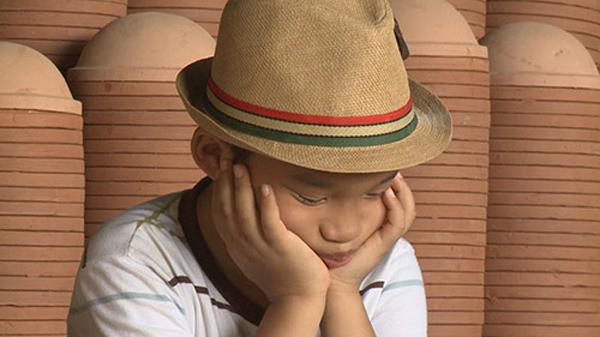 Cục cưng nhà Minh Khang Hoàng Bác khóc nức nở
