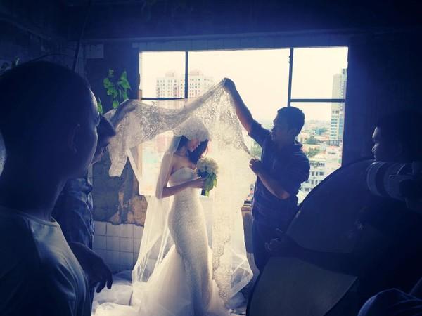Hé lộ hậu trường chụp ảnh cưới của Công Vinh - Thủy Tiên 8