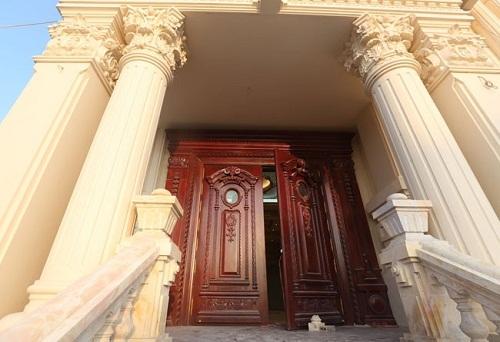 boc lau dai doi tram ty xay cho quy tu cua dai gia ninh binh - Lâu đài đôi trăm tỷ xây cho quý tử của đại gia Ninh Binh