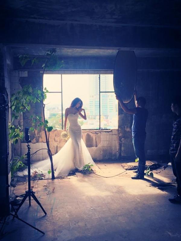 Hé lộ hậu trường chụp ảnh cưới của Công Vinh - Thủy Tiên 9