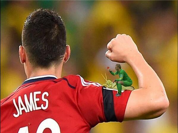 Cưỡi lên tay James Rodriguez