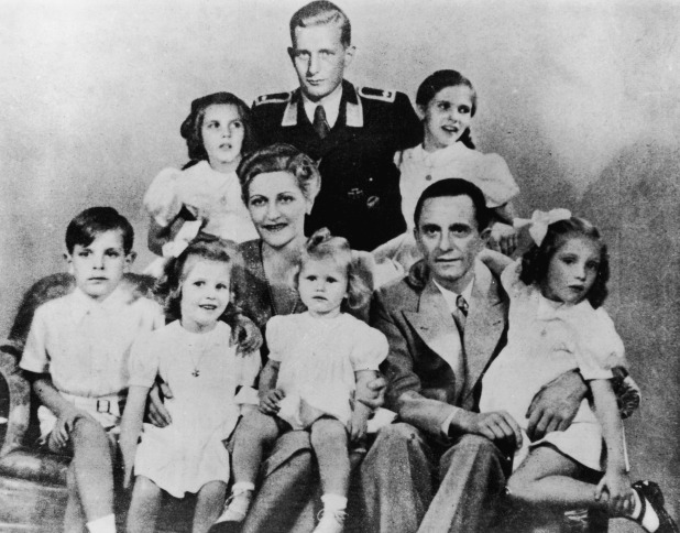 Joseph Goebbels with his wife Magda and their children, Helga, Hildegard, Helmut, Hedwig, Holdine and Heidrun in 1942 Center is Harald Quandt, Magda Goebbels' son by her first marriage