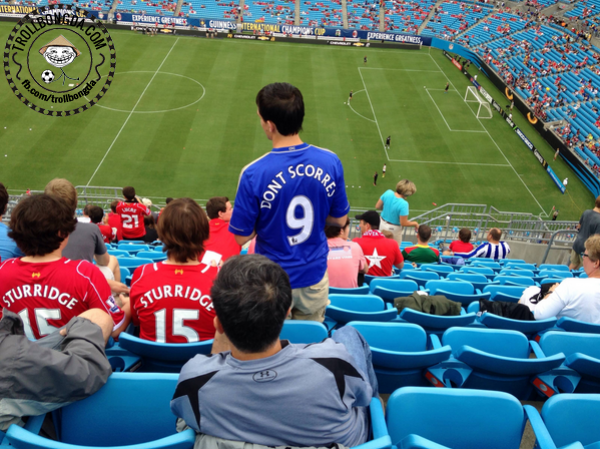 Dont Scorres?? Anh chàng fan Chelsea rủa Torres không ghi bàn ư??
