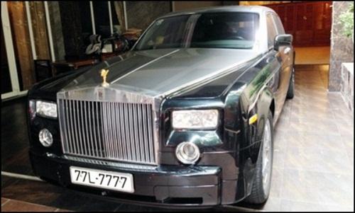 Nữ tỷ phú Bạch Diệp nổi tiếng vì sở hữu siêu xe Phantom với biển số siêu độc.