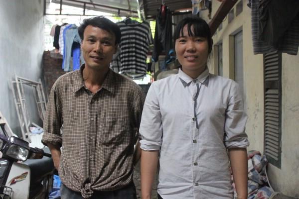 Bố mẹ của Hoàn không dám nghỉ ngày nào   vì mất ngày công làm việc.