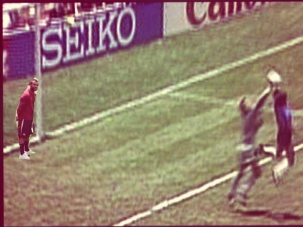 Cole có mặt khi Maradona ghi bàn bằng bàn tay của Chúa