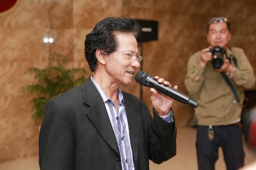 """Trong đêm diễn tại Bình Dương,lần đầu tiên Chế Linh sẽ hát ca khúc """"Thành phố buồn 2"""" mà ông sáng tác, đặc biệt tặng cho khán giả miền Nam.Đặc biệt, Chế Linh dự định tương lai tới đây sẽ sáng tác ca khúc dành tặng riêng cho Phương Mỹ Chi."""