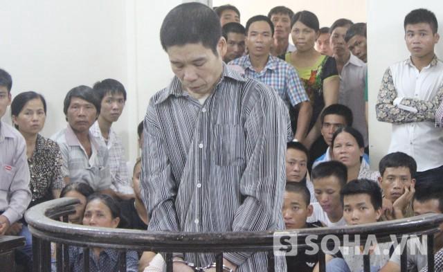 Bị cáo Nguyễn Văn Kim trước vành móng ngựa