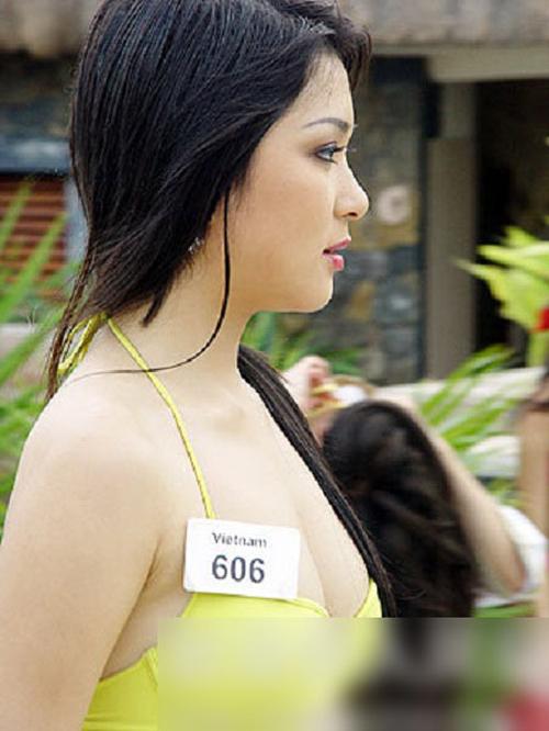 Tại Trung Quốc, người đẹp đã tự tin khoe vẻ đẹp cả hình thức lẫn trí tuệ.