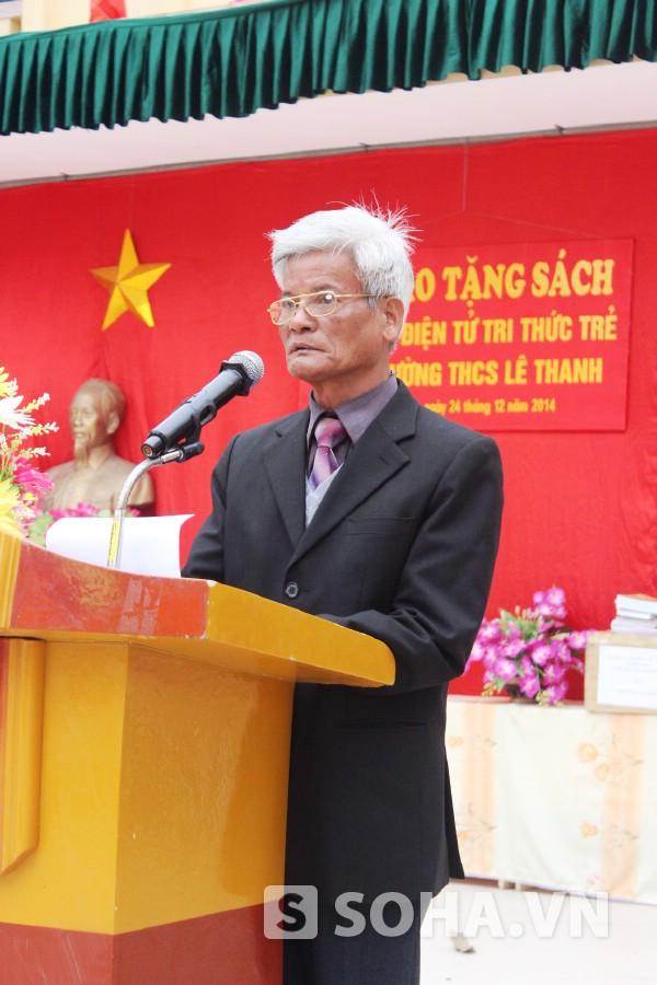 Thầy Nguyễn Thành Với (68 tuổi) là người con của Lê Thanh, huyện Mỹ Đức luôn trăn trở về văn hóa đọc của học trò.