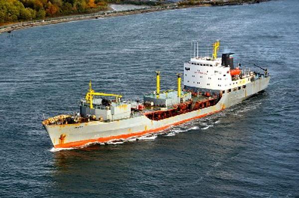 Tàu có lượng giãn nước đầy tải 6,098 tấn, hiện chưa có các thông số về kích thước như dài, rộng, mớn nước của tàu