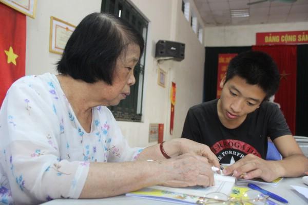 20 năm đứng lớp bà chỉ nghĩ đó là việc thiện, việc tốt cho đời với mong muốn giúp các em có mảnh đời khó khăn.