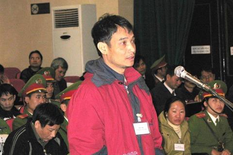 Trịnh Nguyên Thủy tại tòa năm 2010