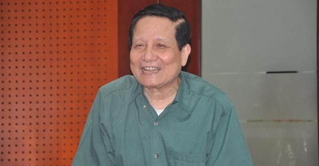 Nhà báo lão thành Hà Đăng trong buổi nói chuyện với báo điện tử Trí thức trẻ (Ảnh: Tuấn Nam)