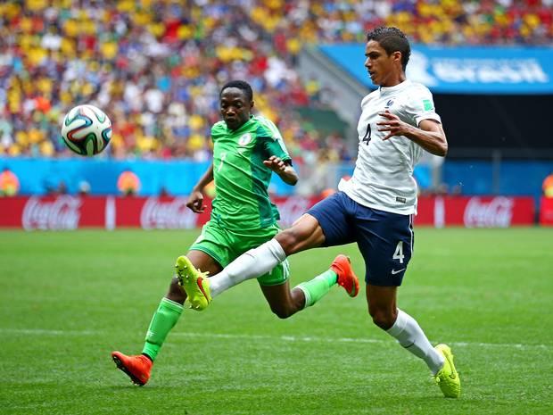 Varane vừa thi đấu rất chững chạc trong màu áo ĐT Pháp ở World Cup 2014