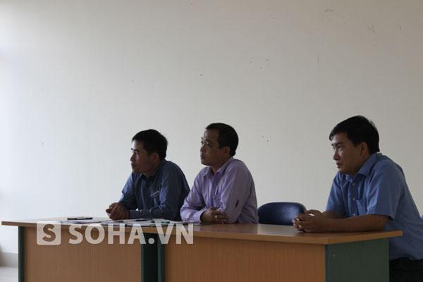 Đại diện chủ đầu tư, ban quản lý chung cư Nam Đô trong buổi đối thoại với người dân được tổ chức vào chiều tối ngày 20/6.