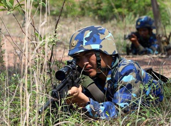 Súng bắn tỉa SR-99 trong biên chế Hải quân đánh bộ Việt Nam.